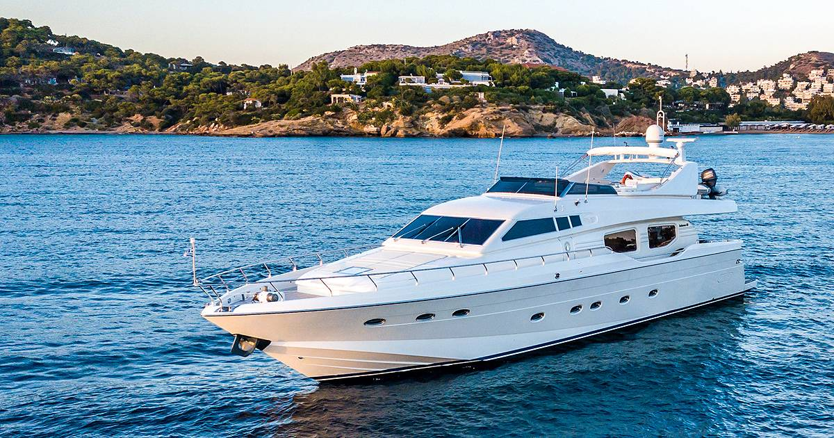 Meet Cyclades on board M/Y Pareaki