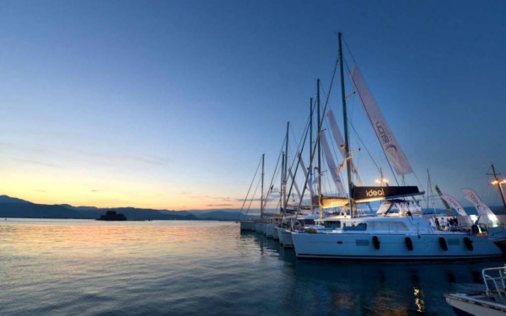"""The White Thing"", at the Mediterranean Yacht Show by Istion Yachting"